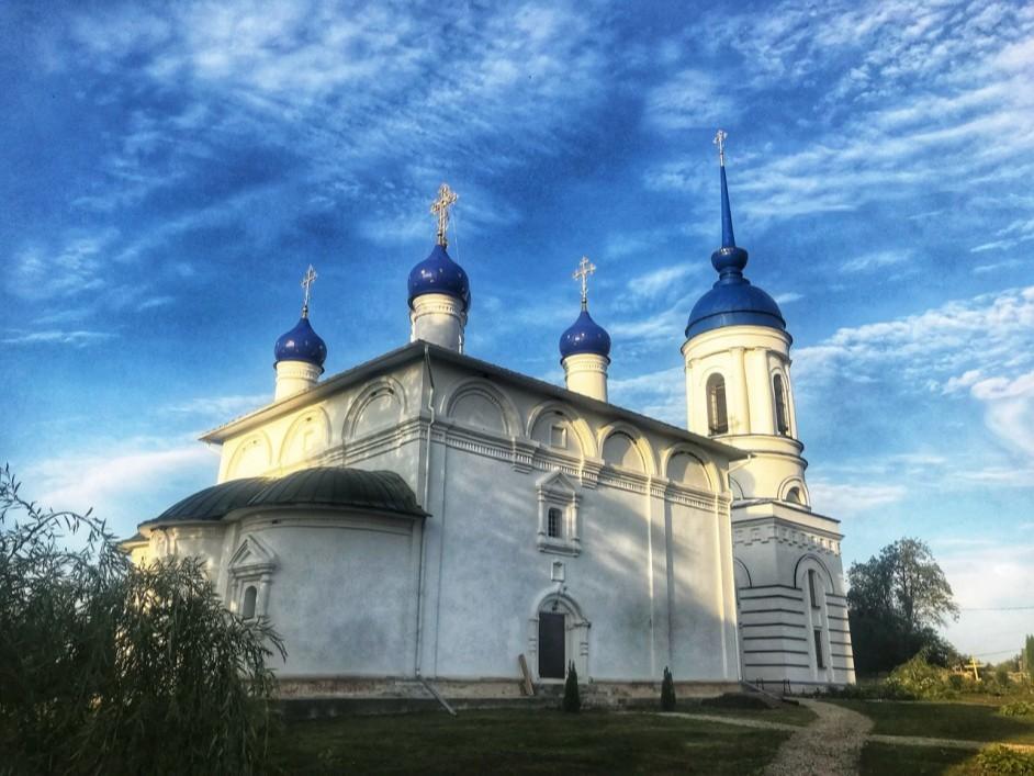 Успенский собор Лихвинского Гремячего монастыря