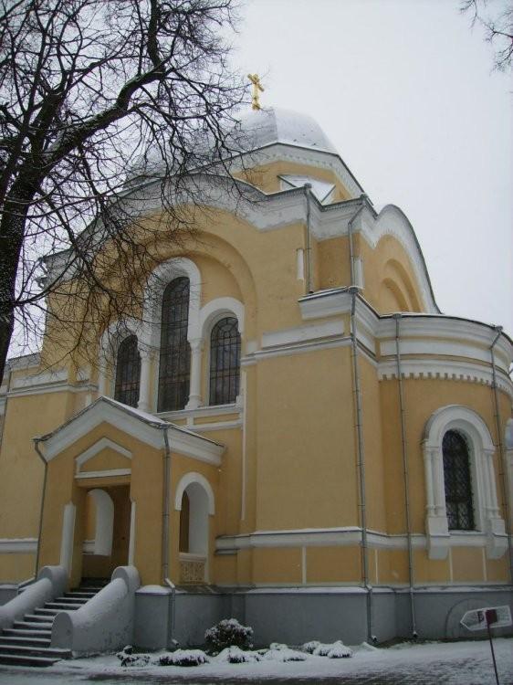 Храм святителя Николая Чудотворца Калужской Тихоновой пустыни