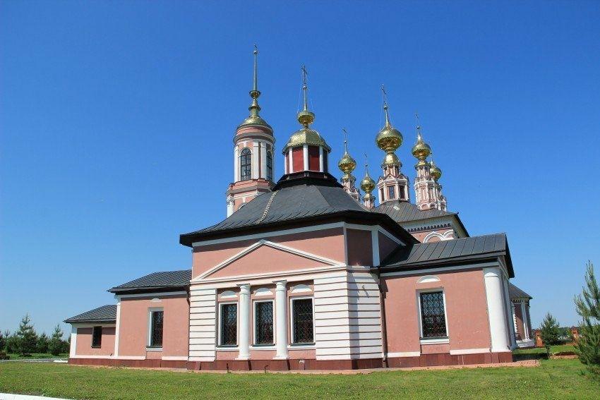 Церковь Флора и Лавра на Михайловой стороне в Суздале