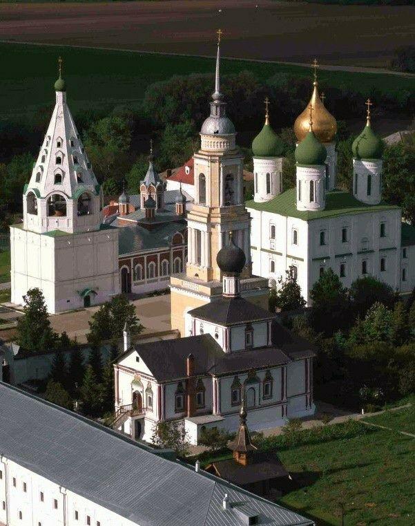 Свято-Троицкий Ново-Голутвин женский монастырь в Коломенском Кремле
