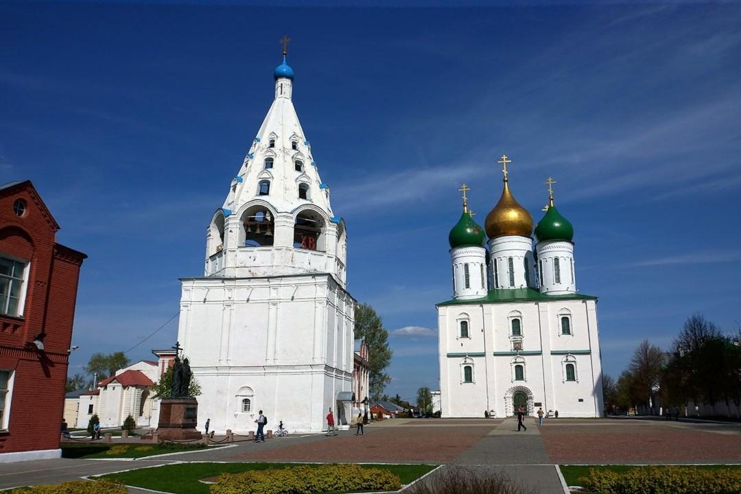 Соборная колокольня в Коломенском Кремле