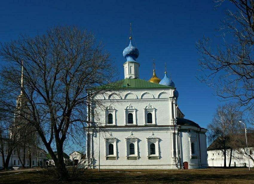Спасо-Преображенский мужской монастырь в Рязанском Кремле