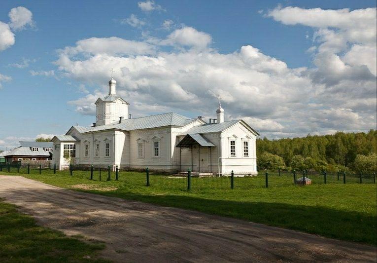 Церковь Спаса Всемилостивого в Сынтуле