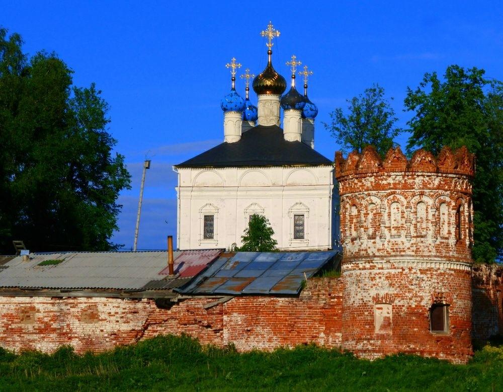 Свято-Лукианов Рождественский мужской монастырь в Лукьянцево