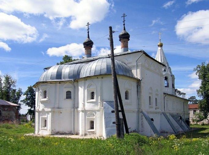 Церковь Богоявления Господня Свято-Лукианова Рождественского мужского монастыря в Лукьянцево