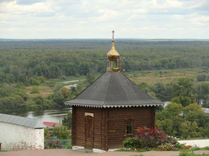 Часовня-памятник на месте Покровской церкви Свято-Троицкого Никольского мужского монастыря в Гороховце