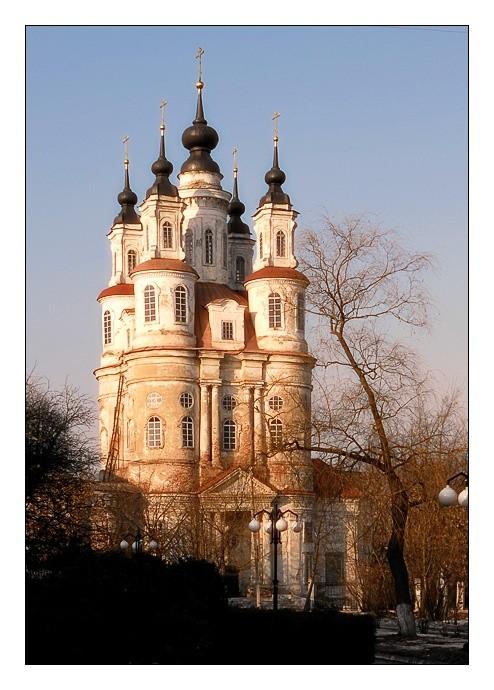 Храм святых бессребреников и чудотворцев Космы и Дамиана в Калуге
