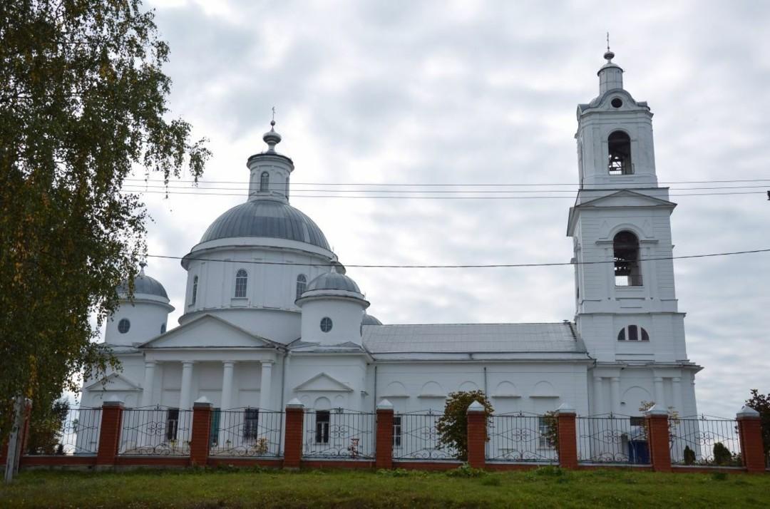 Церковь Тихвинской Иконы Божией Матери в Ивановском