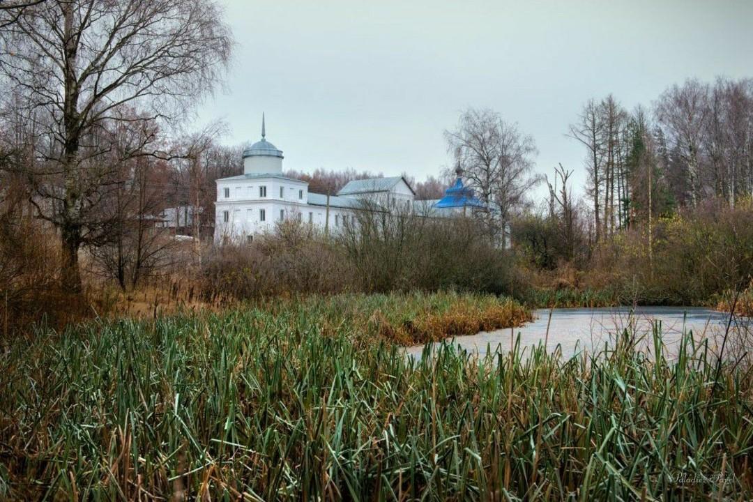 Церковь Иоанна Златоуста Николо-Бабаевского монастыря в Некрасовском