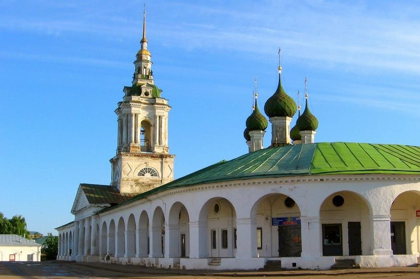 Торговые или Красные ряды в Костроме