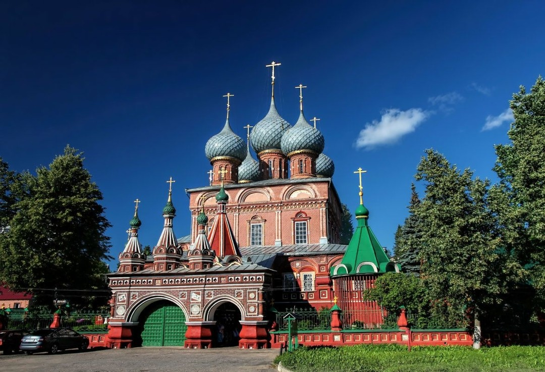 Церковь Воскресения Христова на Дебре в Костроме