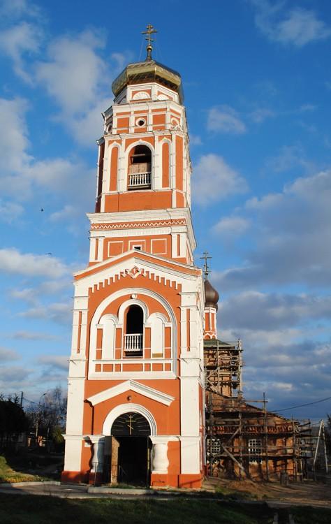 Храм Троицы Живоначальной в Болхове