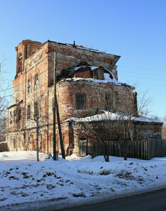Церковь Николая Чудотворца Золотые кресты в Вологде