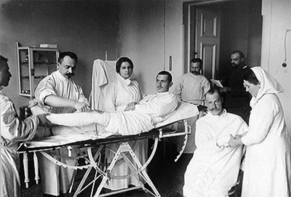 Императрица - главная медсестра Русской армии