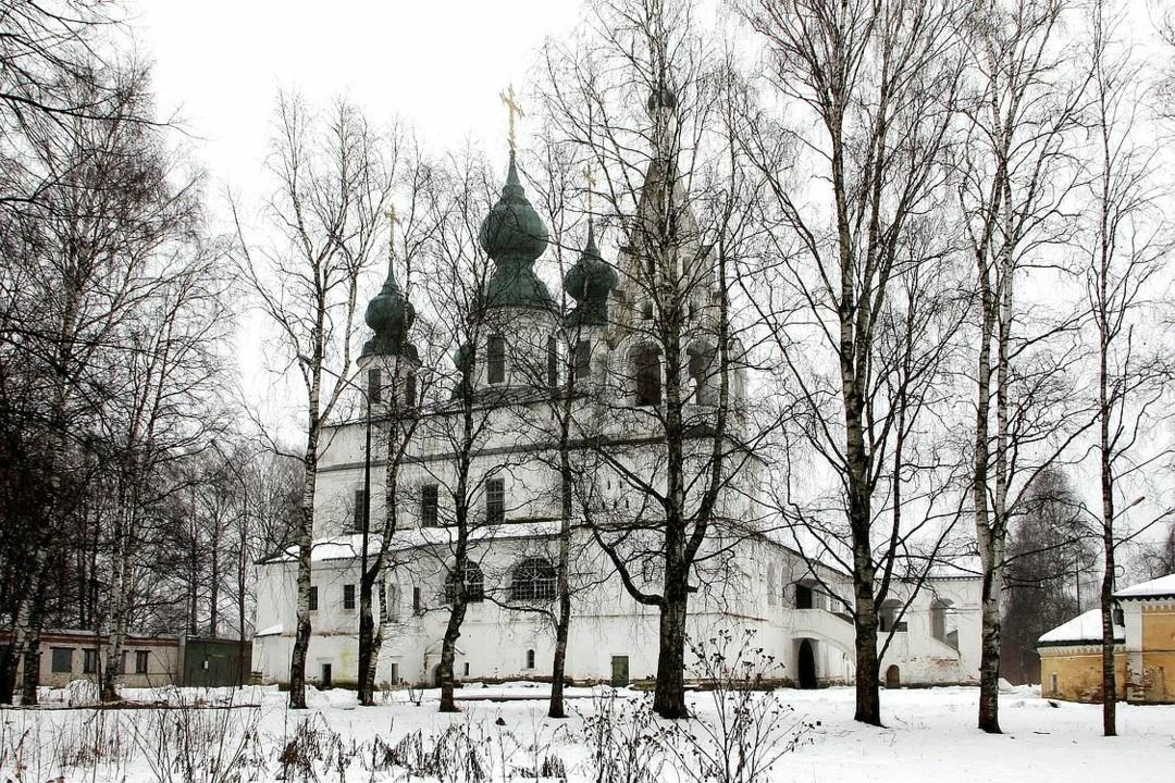 Собор Михаила Архангела Михайло-Архангельского мужского монастыря в Великом Устюге