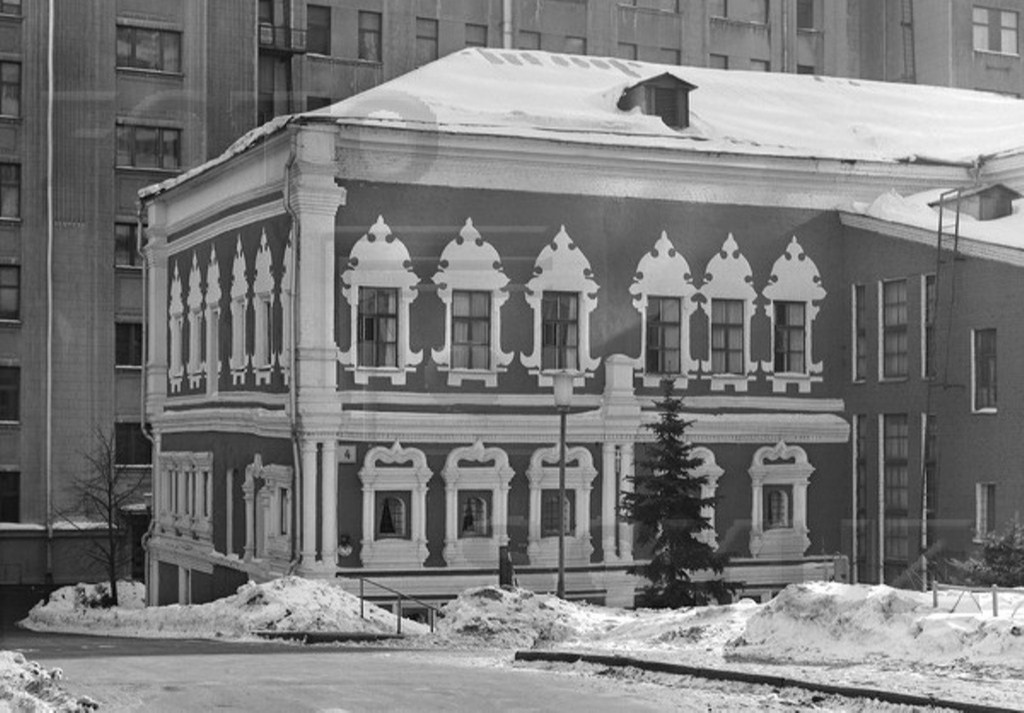 Самое красивое здание петровской Москвы - палаты Троекуровых