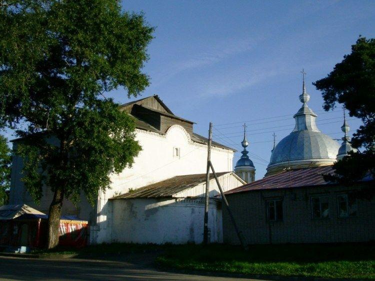 Церковь Воскресения Христова в Устье-Кубенском