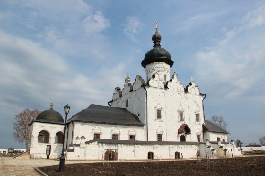 Собор Успения Пресвятой Богородицы Свято-Успенского Свияжского мужского монастыря