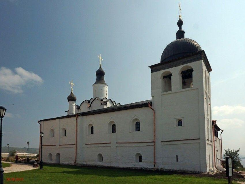 Церковь Сергия Радонежского Иоанно-Предтеченского женского монастыря в Свияжске