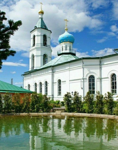 Церковь Троицы Живоначальной в Шарапово