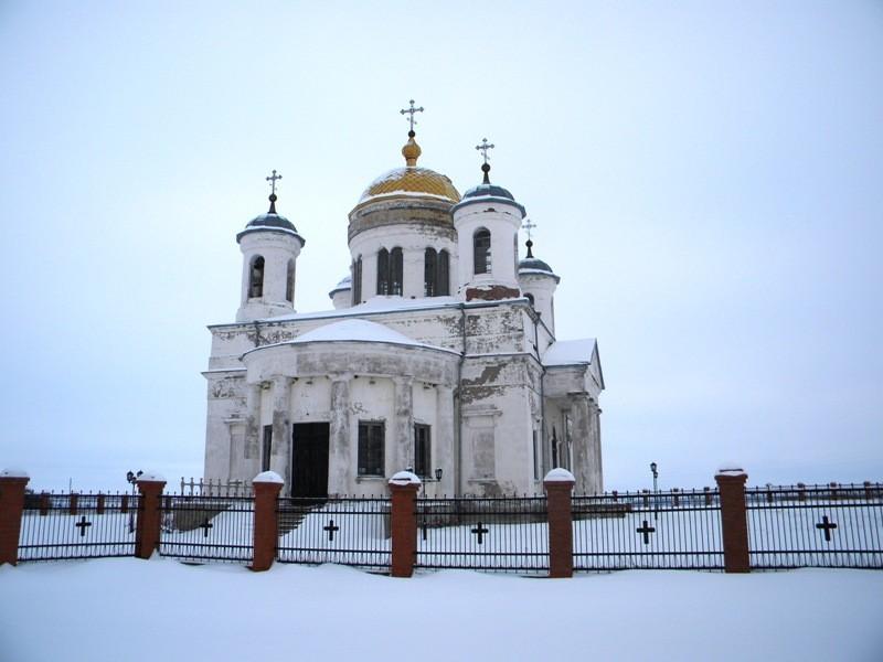 Храм Троицы Живоначальной в Становом