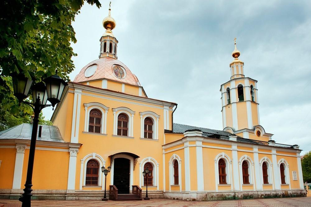 Храм Всех Святых и мемориал памяти русских героев