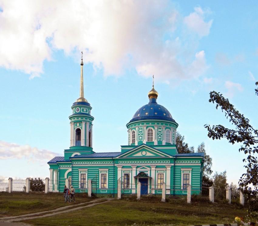Храм Святой Троицы Живоначальной в Белой