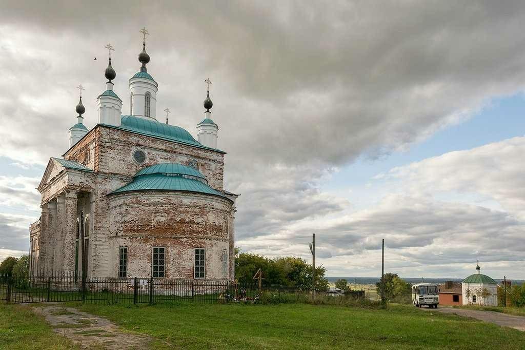 Церковь Троицы Живоначальной в Горбатове