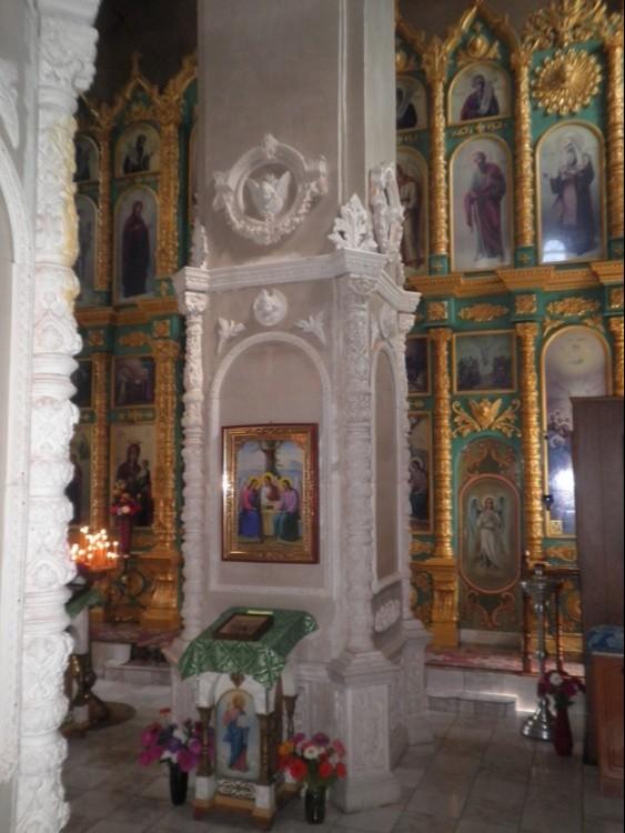 Храм Святой Троицы Живоначальной в Глушково (новый)