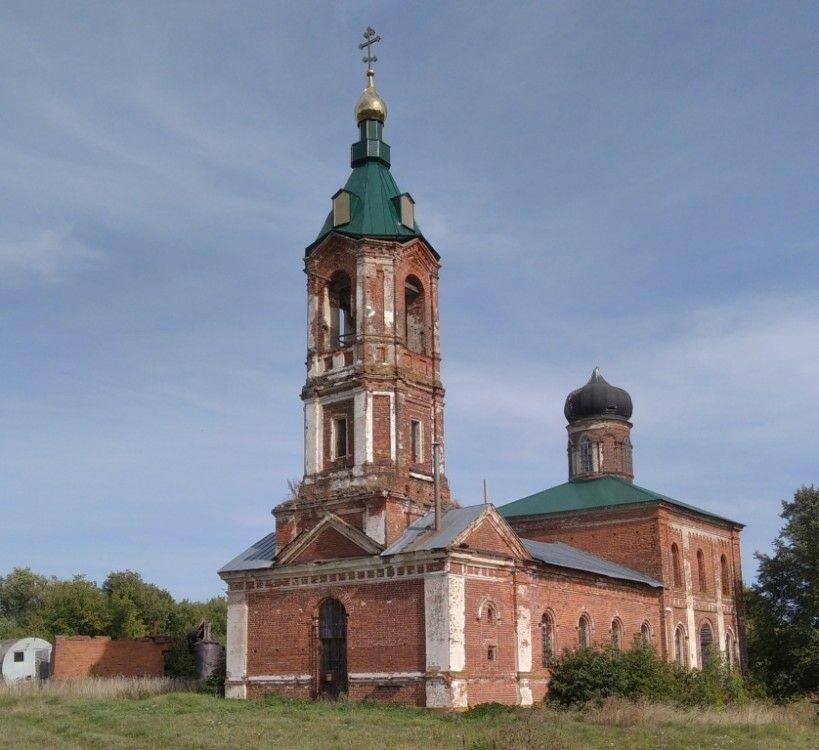 Церковь Троицы Живоначальной в Смолино