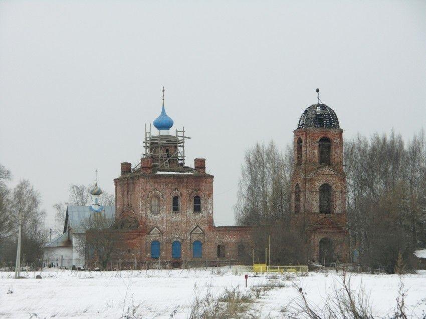 Церковь Воскресения Христова в Пазушино