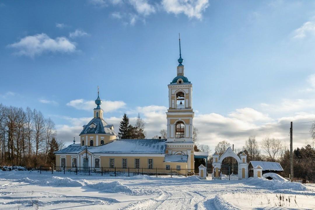 Церковь Троицы Живоначальной в Троицком на Устье
