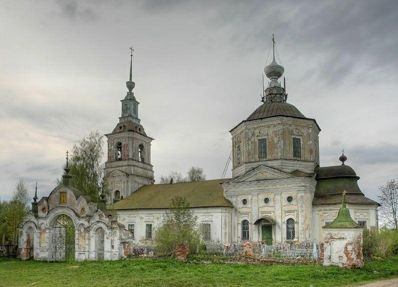 Церковь Василия Великого в Горках