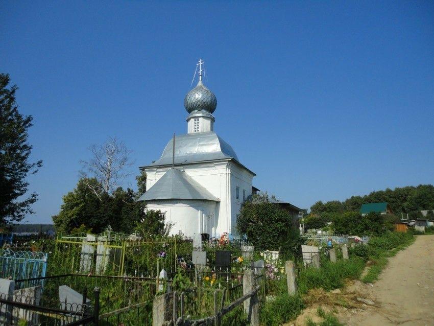 Церковь Троицы Живоначальной в Каменниках