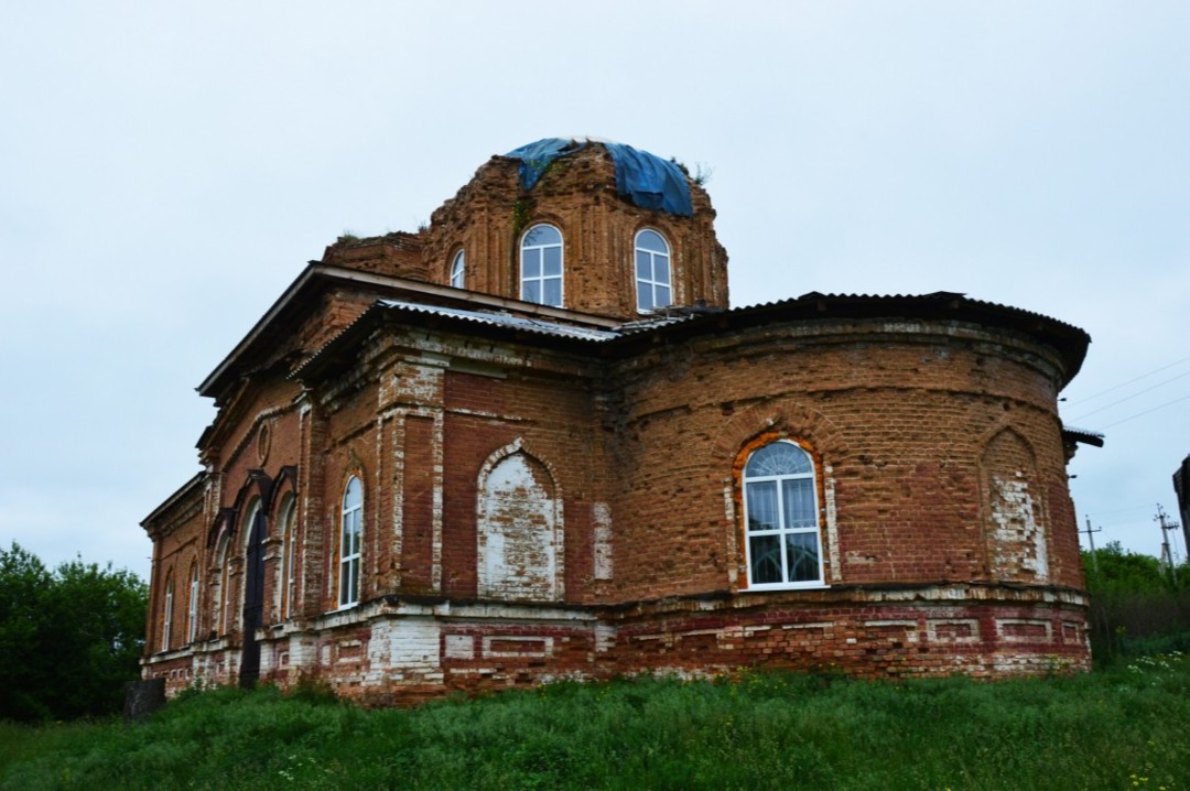Храм Рождества Пресвятой Богородицы в Гоголевке