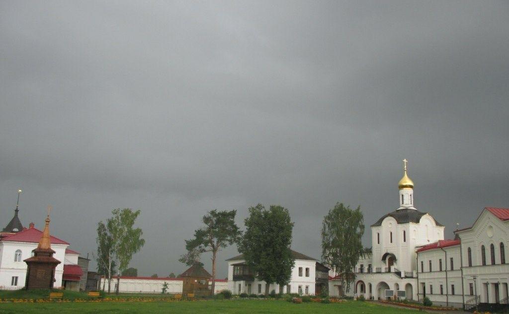 Церковь Кирилла и Марии Троице-Варницкого монастыря в Варницах