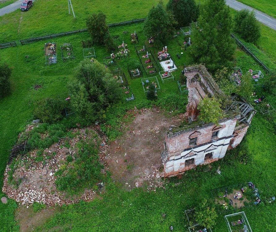 Церковь Космы и Дамиана в Поуров-Рогулях
