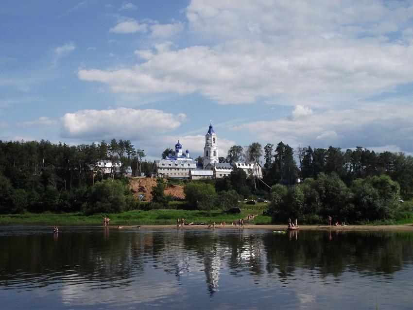 Подворье Боголюбского женского монастыря в Спас-Купалищах