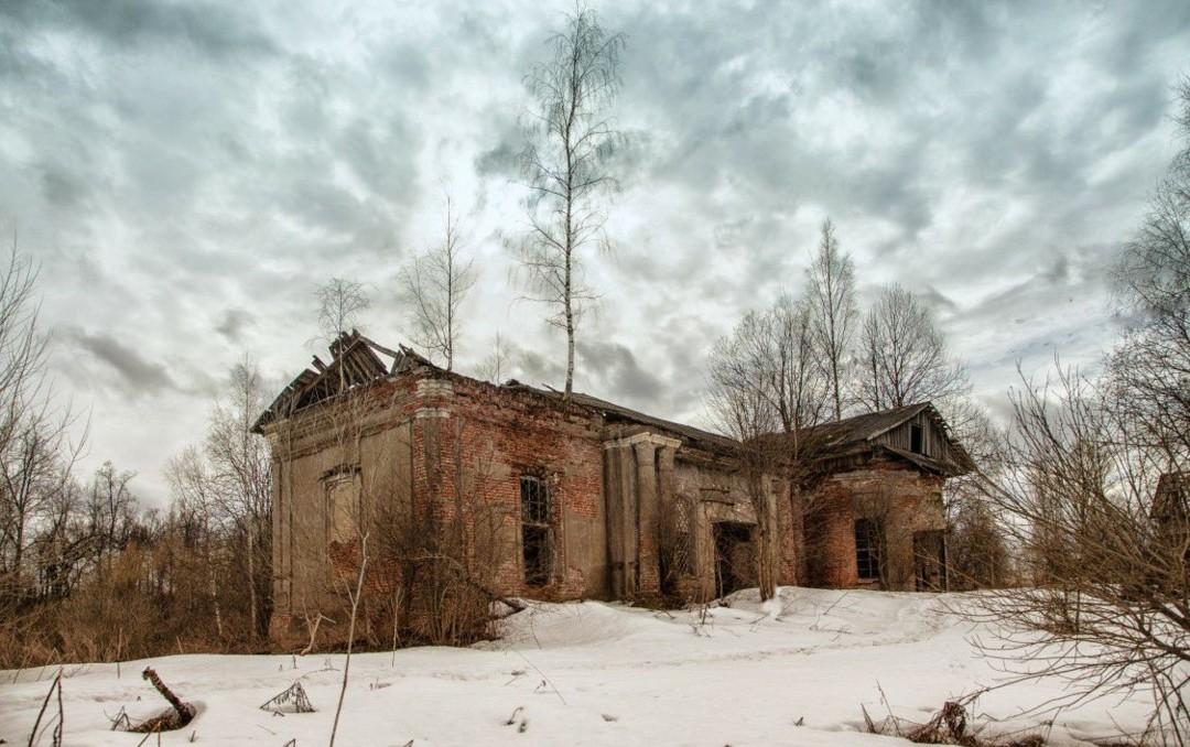 Церковь Троицы Живоначальной в Новинском