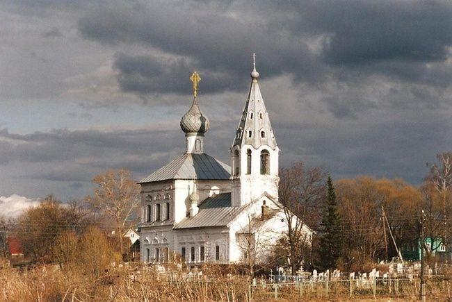 Церковь Троицы Живоначальной в Унимере