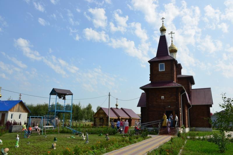Храм святого равноапостольного князя Владимира в Октябрьском