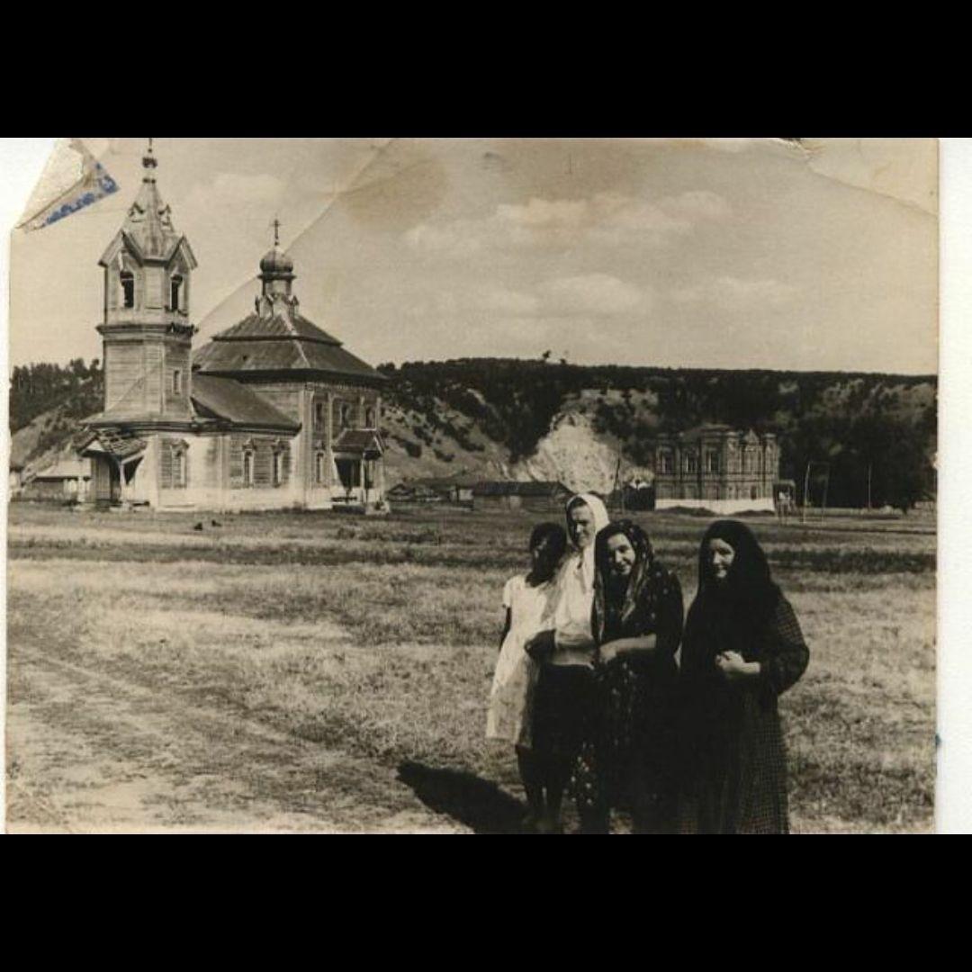 Церковь Покрова Пресвятой Богородицы в Садовке (Утрачена)