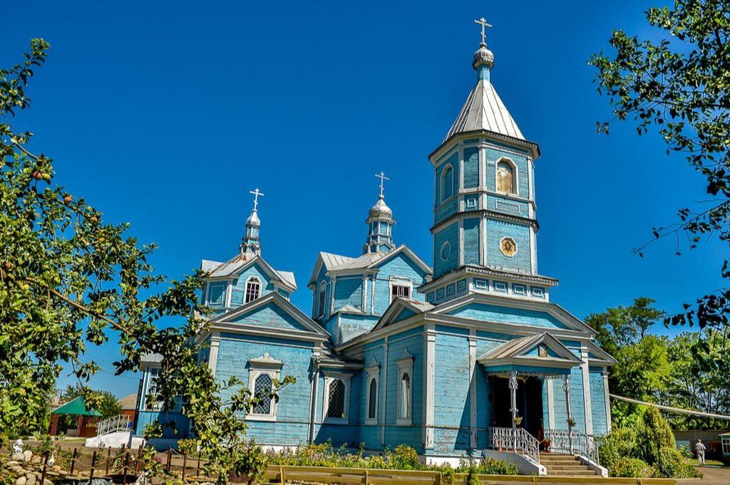 Храм Богоявления Господня в Калининской