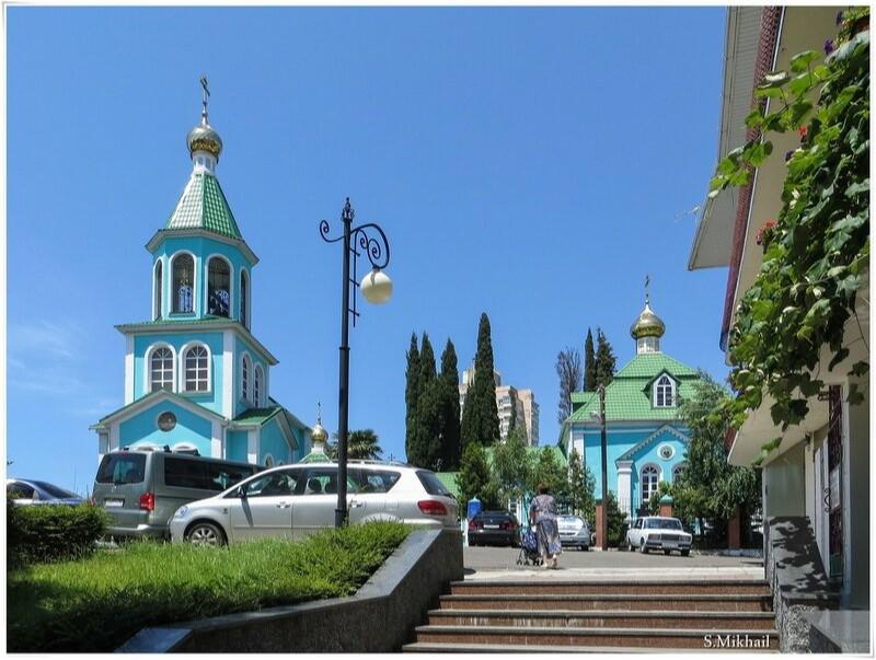 Храм Рождества Пресвятой Богородицы в Лазаревском