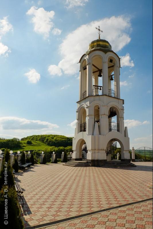 Колокольня Свято-Георгиевского монастыря в Ессентуках