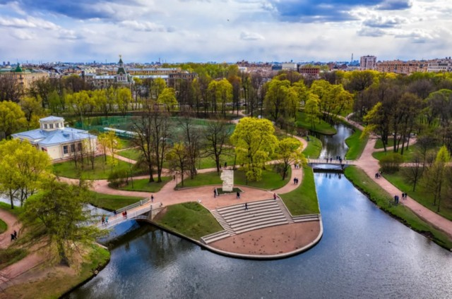 Таврический сад в Северной столице