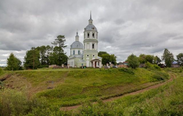 Церковь Троицы Живоначальной в Истобенске