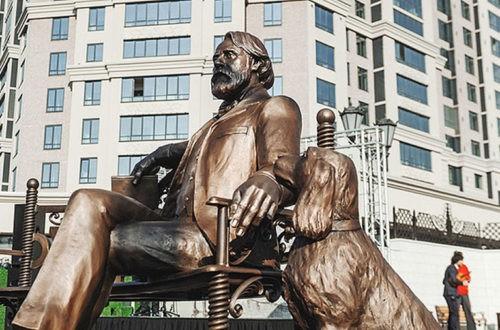 Памятник И.С.Тургеневу в Краснодаре