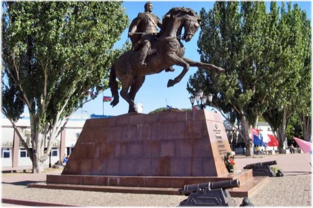 Памятник князю Воронцову в Ейске