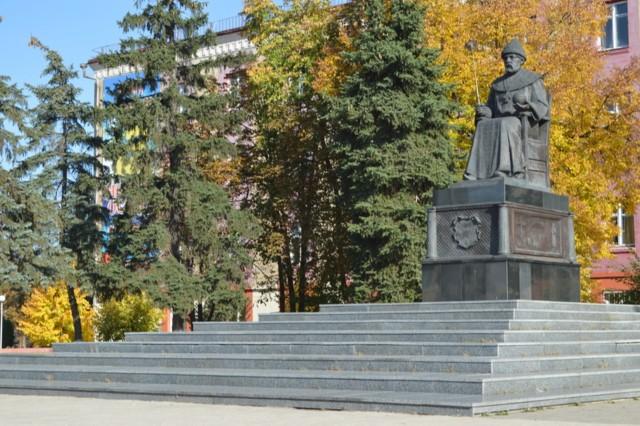 Памятник Алексею Михайловичу Романову